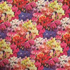 Adorn It Fabrics SNOWMAN TICKERTAPE 100/% Cotton Premium Quilt Fabric per 1//2 yd