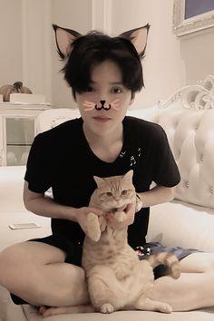 """Luhan: """"meow meow meow meow"""""""