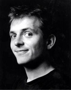 RIP Rik Mayall the passing of a truly funny man. Blessings to his wife of 30 years and their 3 children. English Comedians, Rik Mayall, British Comedy, British Actors, People Of Interest, Young Ones, Man Humor, Famous Faces, Funny People