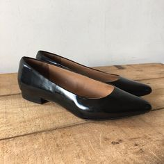 UK SIZE 5.5 D WOMENS CLARKS BLACK LEATHER FLATS POINTED TOE