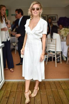 Sienna Miller truly knows how to do spring in style.   Spring Style | Spring Fashion | Spring Inspiration