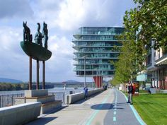 Promenada pred River Parkom European Countries, Bratislava, Old Town, Marina Bay Sands, Night Life, River, Country, Fotografia, Rural Area