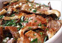 Так как у нас самые дешевые грибы в магазинах можно встретить только вёшенки, то для их вкусного приготовления имеется очень замечательный рецепт. Будем готовить их в чесночном маринаде. Очень вкусн…