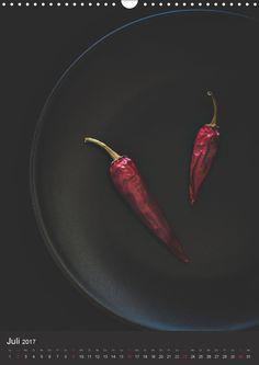 Die Food Fotografin Corinna Gissemann hat in diesem Kalender verschiedenste Objekte für Sie stimmungsvoll in Szene gesetzt. Lassen Sie sich jeden Monat auf´s Neue überraschen. Die Redaktion hat diesen Kalender für die CALVENDO Gold-Edition ausgewählt