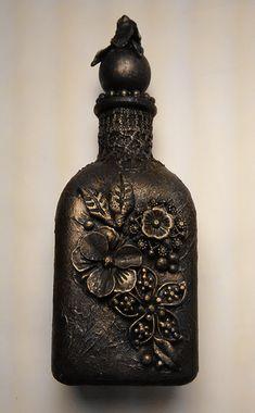Altered bottle in flower theme to hold rings and bracelets. Bracelet Holders, Vision Art, Decorative Bottles, Fabric Envelope, Wine Bottle Art, Altered Bottles, Flower Center, Painted Leaves, Bottles And Jars