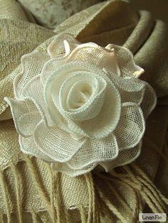 Best 11 Hand Made Brooch Rose White Linen Burlap Flowers, Diy Flowers, Fabric Flowers, Paper Flowers, Hand Embroidery Flowers, Hand Embroidery Patterns, Crochet Patterns, Burlap Crafts, Fabric Crafts