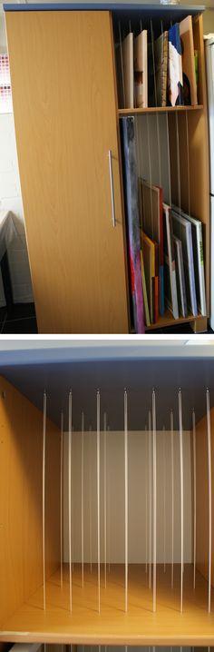 opbergkast schilderijen / Art storage rack   (met schroefogen en metselkoord)