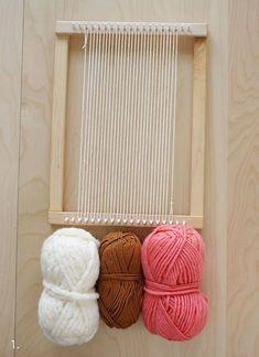 We've rounded-up 43 of the best woven wall hanging tutorials. Weaving Loom Diy, Weaving Art, Weaving Patterns, Tapestry Weaving, Hand Weaving, Rug Loom, Inkle Weaving, Stitch Patterns, Knitting Patterns