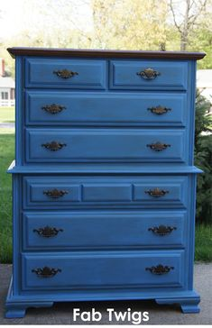 FabTwigs: Dresser Transformation - Painting Furniture with Annie Sloan Chalk Paint