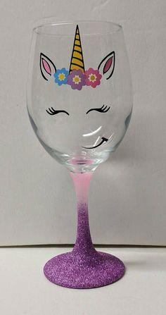me ~ Unicorn Ombre Glitter Stem Wine Glass Wine Glass Crafts, Wine Bottle Crafts, Gifts For Wine Lovers, Wine Gifts, Wine Glass Candle Holder, Wine Glass Designs, Glitter Wine, Hand Painted Wine Glasses, Unicorn Crafts