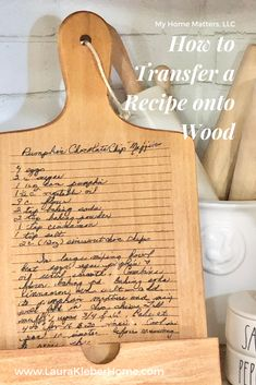 If you have a special recipe or note from a loved one that you'd like to transfer onto wood, you can use this technique using Mod Podge! Diy Cutting Board, Custom Cutting Boards, Personalized Cutting Board, Transfer Images To Wood, Transfer Onto Wood, Photo Transfer, Heat Transfer, Cookbook Holder, Recipe Holder