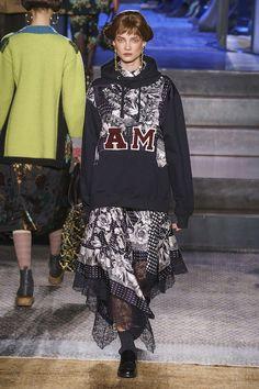Antonio Marras Fall 2019 Ready-to-Wear Fashion Show - Vogue Fashion Games, Diy Fashion, Autumn Fashion, Vintage Fashion, Milan Fashion, Street Fashion, Antonio Marras, Vogue Paris, Casual Winter Outfits