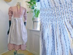 German Apron White with blue tiny flower print folk apron Cotton Dirndl baking traditional Austrian fashion Mid lenght One size by SuitcaseInBerlin on Etsy