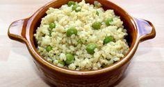Zöldborsós-hagymás bulgur köret recept: Ez a zöldborsós-hagymás bulgur recept nagyon jól tud jönni, amikor már unjuk a megszokott hagyományos köreteket. Nagyon jól pótolható vele a rizs, és ráadásul még egészségesebb is. Próbáld ki Te is! :) Easy Healthy Recipes, Vegetarian Recipes, Healthy Foods, Healthy Life, Bulgur Recipes, Crossfit Diet, Hungarian Recipes, Health Eating, Tasty Dishes