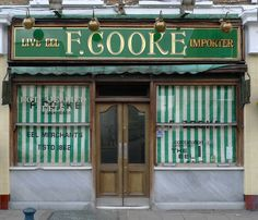 Oldest Pie and Mash shop in London. Photo by London Shop Fronts… East End London, Old London, London Landmarks, London Places, England And Scotland, Shop Fronts, Historical Architecture, London Calling, London Travel