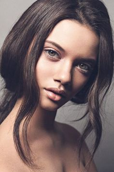 Mega Model Agency - Marina Nery