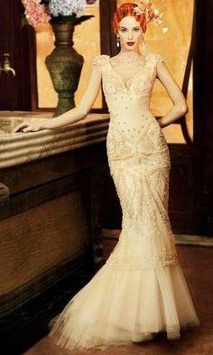 YolanCris Vintage Revival Gown - Almeria