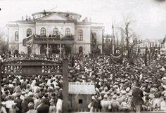 Митинг на (Театральной площади) пл. Революции 1 мая 1920 года. Фото oldsaratov.ru      #Саратов #СаратовLife