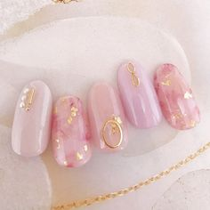 This last series focuses on the more serious nail diseases, which require the right approach and appropriate care. Pastel Nails, Red Nails, Hair And Nails, Bling Nails, Cute Nail Art, Cute Nails, Pretty Nails, Korean Nail Art, Korean Nails