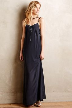 Not sure how this would look on me given the curves, but love the airy feel of this dress! Back is very low with crossed spaghetti straps - my favorite part