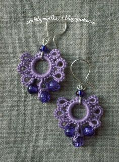 These look easy enough to try. These look easy enough to try. Crochet Earrings Pattern, Crochet Jewelry Patterns, Crochet Bracelet, Tatting Patterns, Crochet Accessories, Beading Patterns, Tatting Earrings, Tatting Jewelry, Tatting Lace