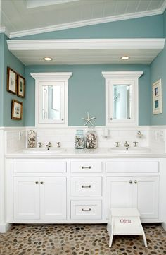 Wall color is Ebb Tide from Olympic Paints.   Love the color!