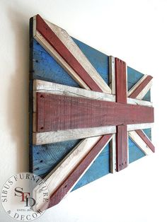 United Kingdom 3D flag, made of reclaimed pallets Weathered wood, waxed and finished with stain to have this great look  Size 40 x 20 (Proportion 1:2) Size ratios of the UK flag are proportional: stripes and measurements  Made to order This piece is showcase only Each one is original, and natural wood colors will vary No two are exactly alike Indentations, slight cracks, small gaps and color variations are to be expected  I take all precautions necessary to prepare each piece of wood for…