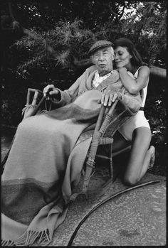 Henry Miller and Twinka,Pacific Palisades, Los Angeles, 1975 - Mary Ellen Mark