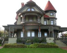 Victorian House what I wouldn't give for an authentic Victorian house ghosts & all <3