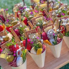 Charcuterie Picnic, Charcuterie Recipes, Charcuterie And Cheese Board, Cheese Boards, Cheese Platters, Food Platters, Party Food And Drinks, Party Snacks, Chocolate Raspberry Mousse Cake