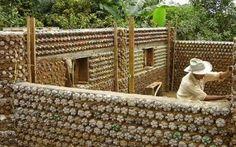 Google+casa con botellas de plastico