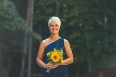 Blue and White Wedding Ideas - An autumn destination farm wedding with sunflowers in North Carolina // photos by Concept Photography: http://www.cptphotography.com || see more on http://www.artfullywed.com