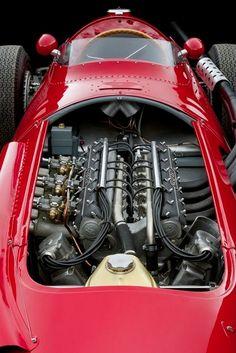 Maserati - 1954 : 2490 cc, straight 6 - 1957 : works cars – naturally aspirated, All models:front engine, longitudinally mounted (ph: Yahoo) Vintage Sports Cars, Vintage Race Car, Classic Race Cars, Old Race Cars, Classy Cars, Grand Prix, Amazing Cars, Awesome, Courses