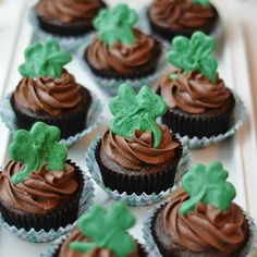 mint cookie cupcakes
