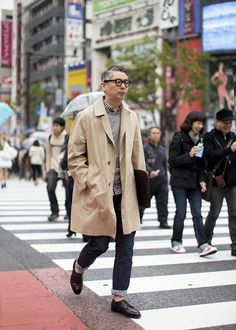 Icons of Style - Takahiro Kinoshita. We look at the style of editor of popeye magazine and how his effortless preppy and nerdy style looks so great Popeye Magazine, Style Masculin, Ivy Style, Look Street Style, Mode Inspiration, Men Looks, Stylish Men, Swagg, Work Wear