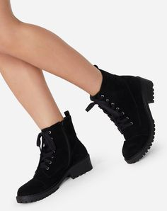Fancy Shoes, Hot Shoes, Egirl Fashion, Fashion Shoes, Chunky Boots, Girls Fashion Clothes, Sneaker Heels, Dream Shoes, Mode Style
