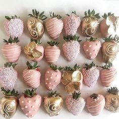 May your Monday be as sweet at these strawberries🍓 Quince Decorations, Birthday Decorations, Baby Shower Table Decorations, Sweet 16 Birthday, Birthday Parties, 21 Birthday Cupcakes, 16th Birthday Cake For Girls, 15th Birthday Cakes, Diy Birthday