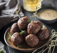 Meatballs with Blond Beer & Chickpea Dip - Tasty, juicy meatballs, braised in blond beer and stock. Served with a chick pea dip. It's a recipe I developed for a Dutch beer brand, and for that of course it involves beer!