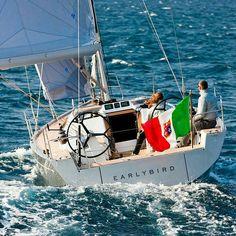 """""""Earlybird"""" 37' by Solaris Yachts design by Javier Soto Acebal. #topnaval #oceanic #ocean #explorer #exploreryachts #sailyacht #sailingyacht #sailboat #boating #sailingboat #sail #sailing #luxuryexplorer #luxuryyacht #luxury #yachtdesign #yacht #design #boatdesign #boat #revistanautica #navalarchitecture #solaris #shipyard #solarisyachts #italia #italy #italian #italianyachts by topnaval"""