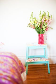 DIY Ikea Hack to transform the Bekvam step stool into a trendy plant stand. Ikea Hacks are so exciting. Because Ikea products are most of the time an excellent mix of modern and refined design which offer a lot … Ikea Step Stool, Diy Stool, Step Stools, Frosta, Ikea Bekvam, Ikea Deco, Diy Tapete, Expedit Regal, New Swedish Design