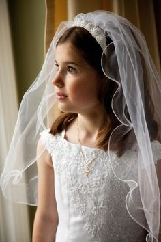 First Communion Portraits {Novi Northville Family and Child Photography} First Communion Veils, Holy Communion Dresses, First Holy Communion, Communion Hairstyles, Photographing Kids, Children Photography, Photography Ideas, Poses, Lady