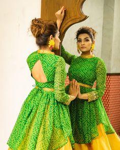 Indian Gowns Dresses, Indian Fashion Dresses, Dress Indian Style, Indian Designer Outfits, Pakistani Clothing, Abaya Style, Stylish Blouse Design, Stylish Dress Designs, Indian Bridal Outfits