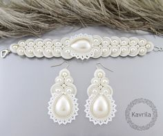 K. Avril -lace+cream set