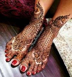 mehendi designs for legs Arabic Bridal Mehndi Designs, Mehandi Design For Hand, Peacock Mehndi Designs, Henna Designs Feet, Indian Mehndi Designs, Legs Mehndi Design, Mehndi Design Images, Mehndi Patterns, Leg Mehndi