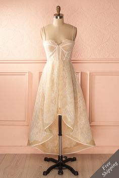 Fall in love with our unique dresses! Explore our wide range of with prom dresses, cocktail dresses, sequin dresses and short dresses. Vintage Style Dresses, Unique Dresses, Pretty Dresses, Beautiful Dresses, Grad Dresses, Prom Dresses Online, Short Dresses, Formal Dresses, Lace Dress