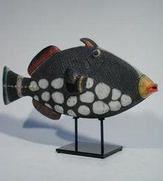 MAN OF EARTH Poisson Oscar tigré clair Céramique d'art Raku Les poissons statues et décoration céramique d art - Paris France