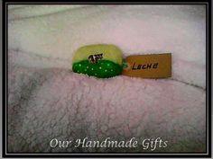 Our Handmade Gifts jabon de leche cubierto en lana de afieltrar