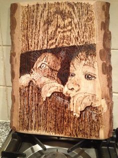 Jongetje met poes Wood Burning Crafts, Wood Burning Patterns, Wood Burning Art, Wood Crafts, Wood Projects, Projects To Try, Wood Creations, Marquetry, Pyrography
