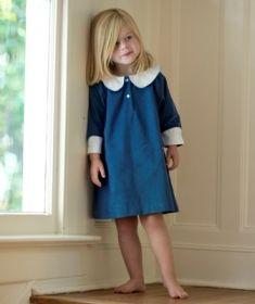 vestido azul cuello bebe blanco