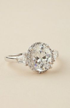 Vintage Engagement Ring. What I would do for a ring like that! Someone tell the boyfriend!